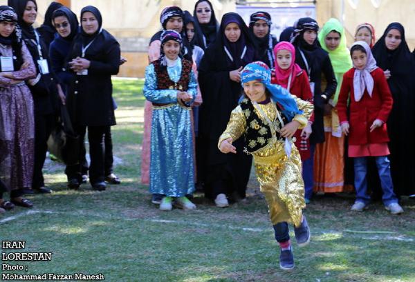 جشنواره بازیهای بومی و محلی بانوان لرستان برگزار شد